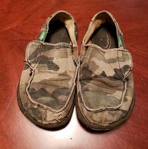 Sanuk camouflage kid shoes